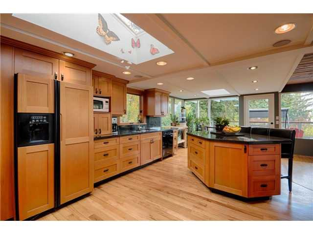 Main Photo: 333 WELLINGTON DR in North Vancouver: Upper Lonsdale House for sale : MLS®# V1036216