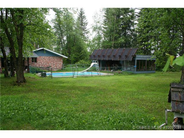 Photo 17: Photos: 1400 Southeast 20 Street in Salmon Arm: Hillcrest House for sale (SE Salmon Arm)  : MLS®# 10112890