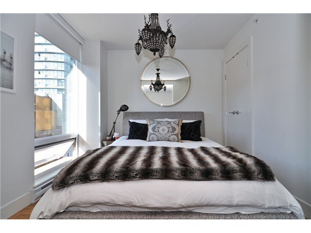 Photo 9: Photos: # 606 565 SMITHE ST in Vancouver: Downtown VW Condo for sale (Vancouver West)  : MLS®# V1086466