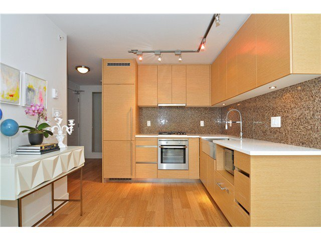 Photo 5: Photos: # 606 565 SMITHE ST in Vancouver: Downtown VW Condo for sale (Vancouver West)  : MLS®# V1086466