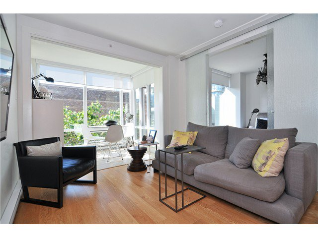 Photo 2: Photos: # 606 565 SMITHE ST in Vancouver: Downtown VW Condo for sale (Vancouver West)  : MLS®# V1086466
