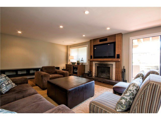 Photo 9: Photos: 1390 Emerson Way in NORTH VANCOUVER: Blueridge NV House for sale (North Vancouver)  : MLS®# v1052096