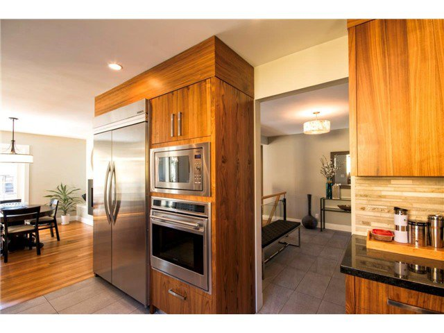 Photo 2: Photos: 1390 Emerson Way in NORTH VANCOUVER: Blueridge NV House for sale (North Vancouver)  : MLS®# v1052096