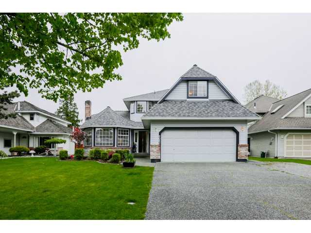 Main Photo: 9082 161 ST in Surrey: Fleetwood Tynehead House for sale