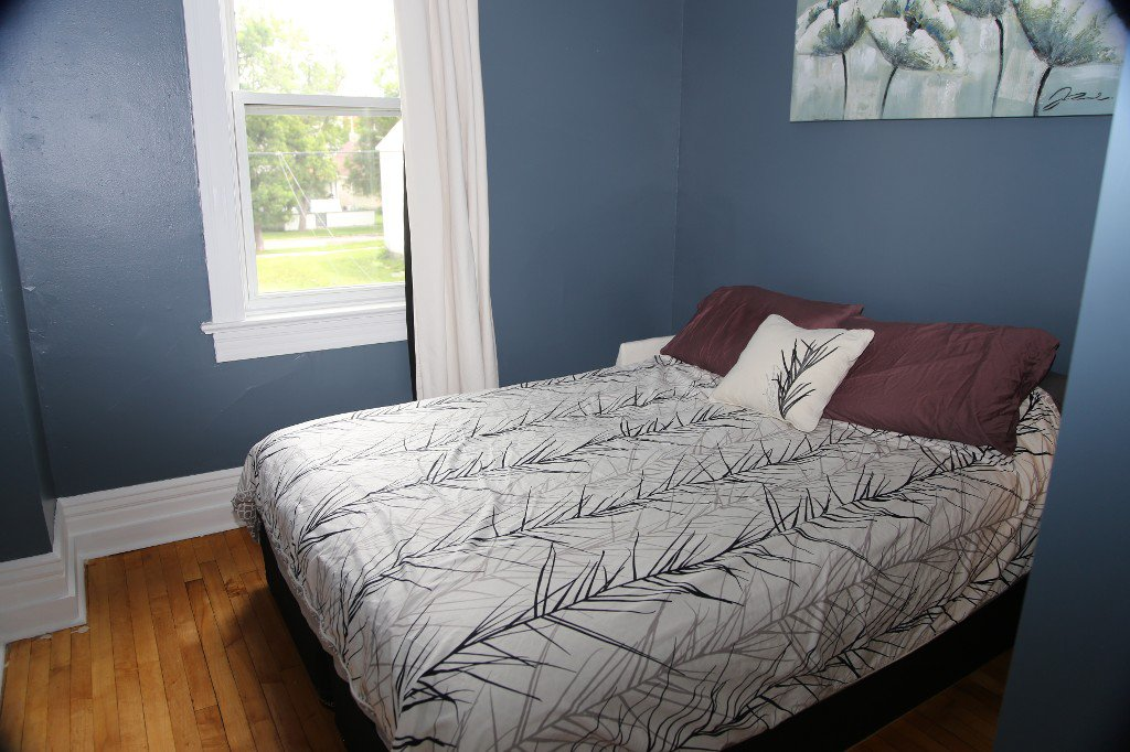 Photo 14: Photos: 299 Beverley Street in Winnipeg: West End Single Family Detached for sale (West Winnipeg)  : MLS®# 1519763