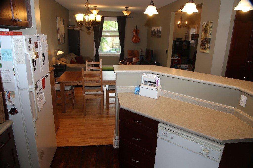 Photo 12: Photos: 299 Beverley Street in Winnipeg: West End Single Family Detached for sale (West Winnipeg)  : MLS®# 1519763