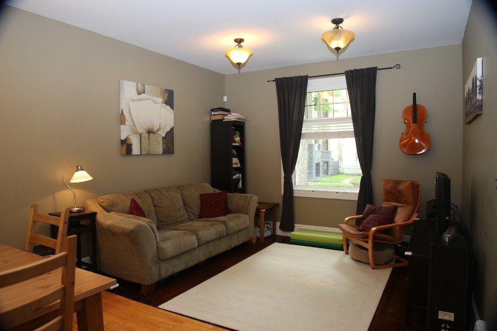 Photo 4: Photos: 299 Beverley Street in Winnipeg: West End Single Family Detached for sale (West Winnipeg)  : MLS®# 1519763