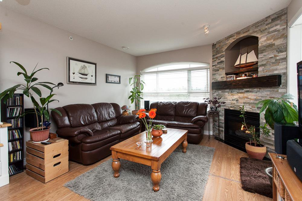 Main Photo: 315 6336 197 Street in Langley: Willoughby Heights Condo for sale : MLS®# R2122870