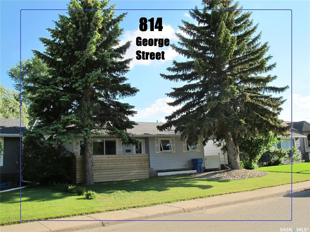 Main Photo: 814 George Street in Estevan: Hillside Residential for sale : MLS®# SK811664