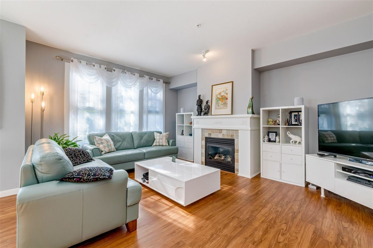"""Photo 7: Photos: 31 19452 FRASER Way in Pitt Meadows: South Meadows Townhouse for sale in """"Shoreline"""" : MLS®# R2476702"""