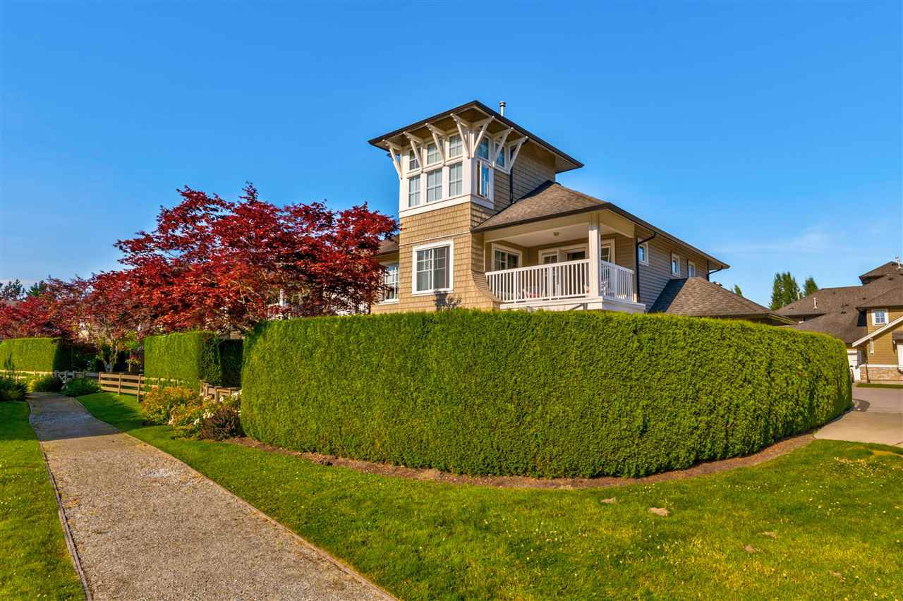 """Photo 2: Photos: 31 19452 FRASER Way in Pitt Meadows: South Meadows Townhouse for sale in """"Shoreline"""" : MLS®# R2476702"""