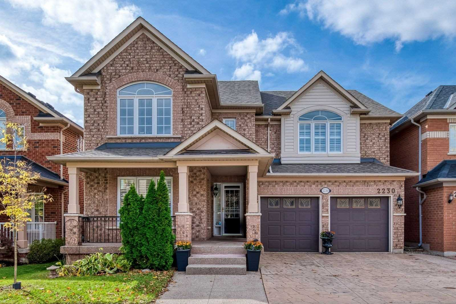 Main Photo: 2230 Empire Crescent in Burlington: Orchard House (2-Storey) for sale : MLS®# W4961821