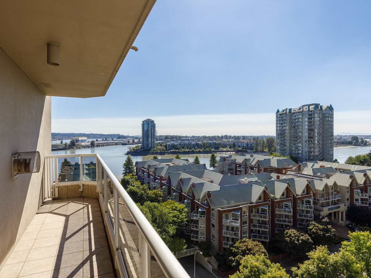"Main Photo: 1203 1185 QUAYSIDE Drive in New Westminster: Quay Condo for sale in ""Riviera"" : MLS®# R2510989"