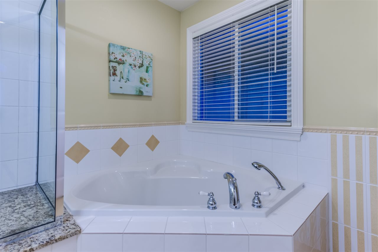 Photo 11: Photos: 3037 SIENNA COURT in Coquitlam: Westwood Plateau House for sale : MLS®# R2155376