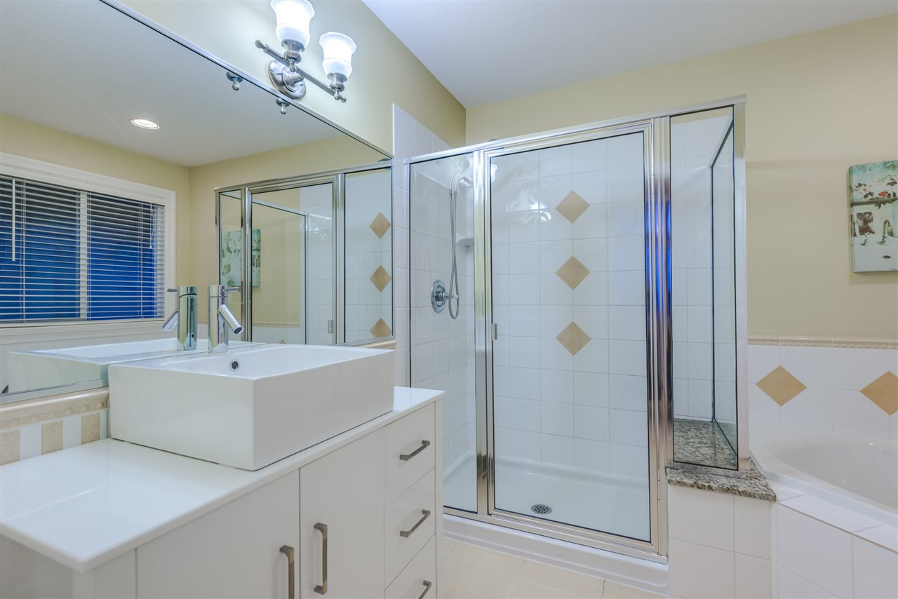 Photo 10: Photos: 3037 SIENNA COURT in Coquitlam: Westwood Plateau House for sale : MLS®# R2155376