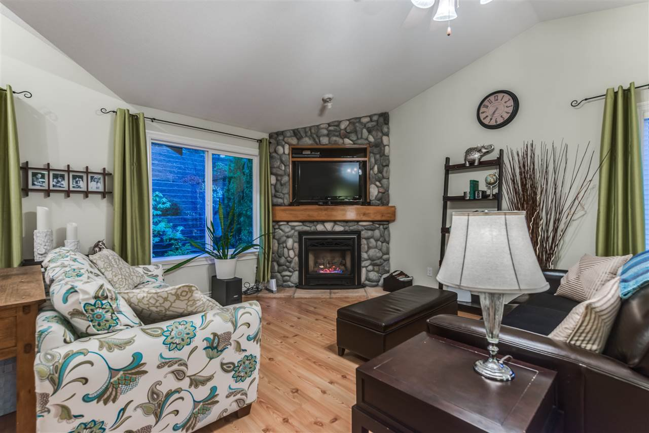 Photo 2: Photos: 3037 SIENNA COURT in Coquitlam: Westwood Plateau House for sale : MLS®# R2155376