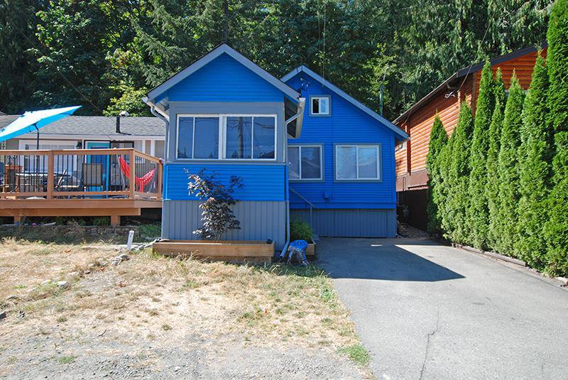 Main Photo: 205 LAKESHORE DRIVE in : Cultus Lake House for sale : MLS®# R2189611