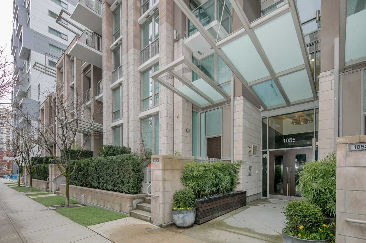 Main Photo: 516 1055 RICHARDS STREET in : Downtown VW Condo for sale : MLS®# R2148693