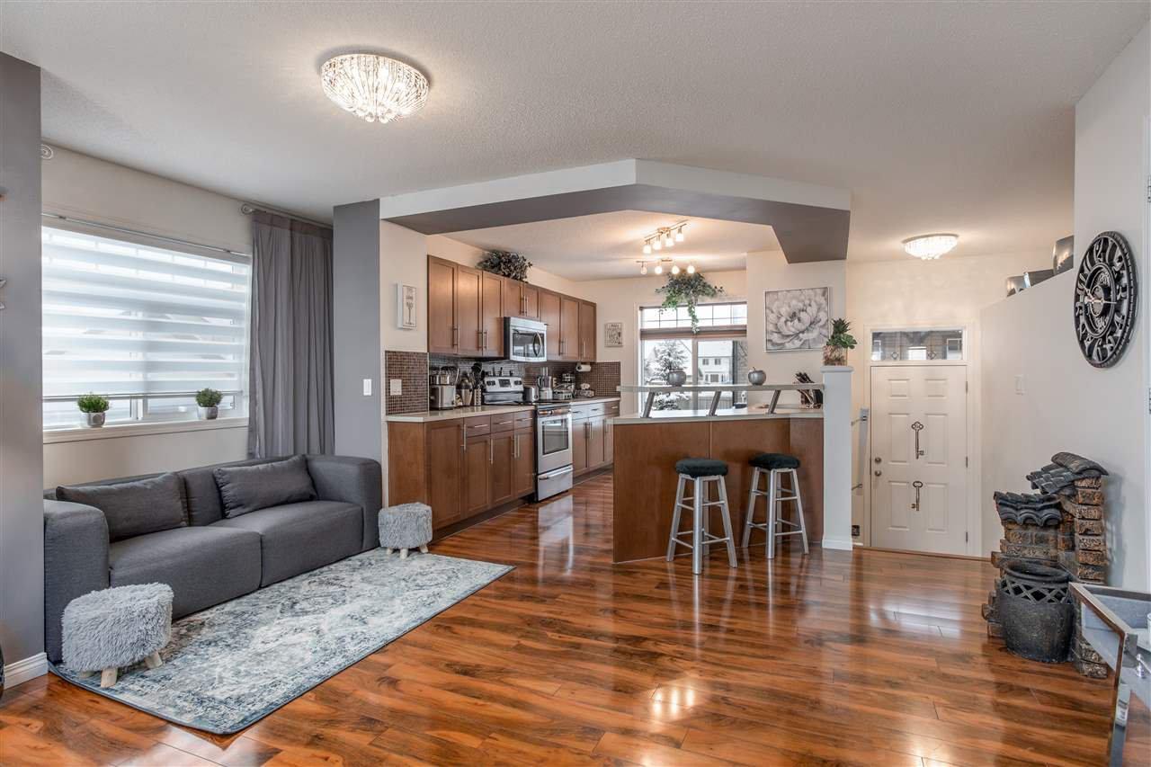 Main Photo: 27 465 HEMINGWAY Road in Edmonton: Zone 58 Townhouse for sale : MLS®# E4184110
