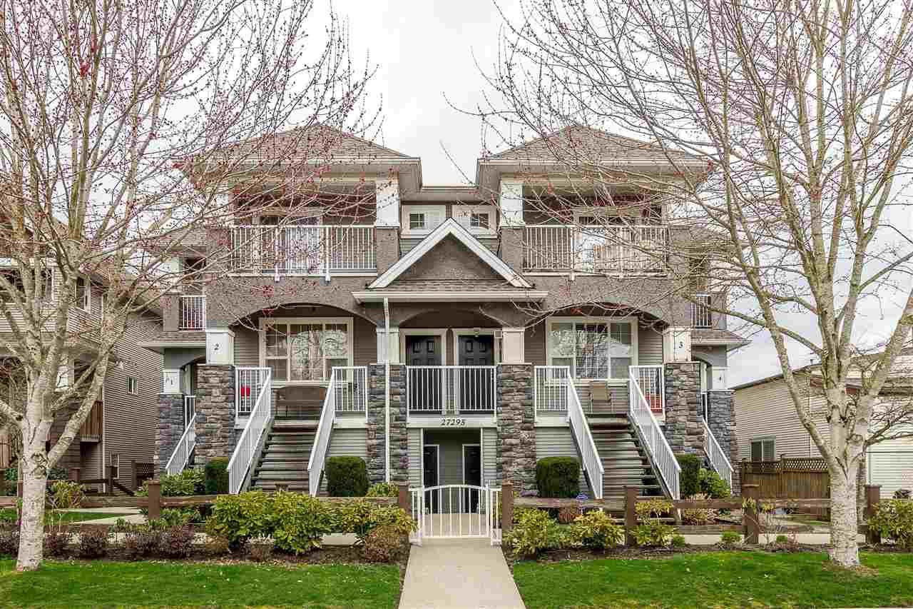 """Main Photo: 1 27295 30 Avenue in Langley: Aldergrove Langley Townhouse for sale in """"APPLEGROVE"""" : MLS®# R2442332"""