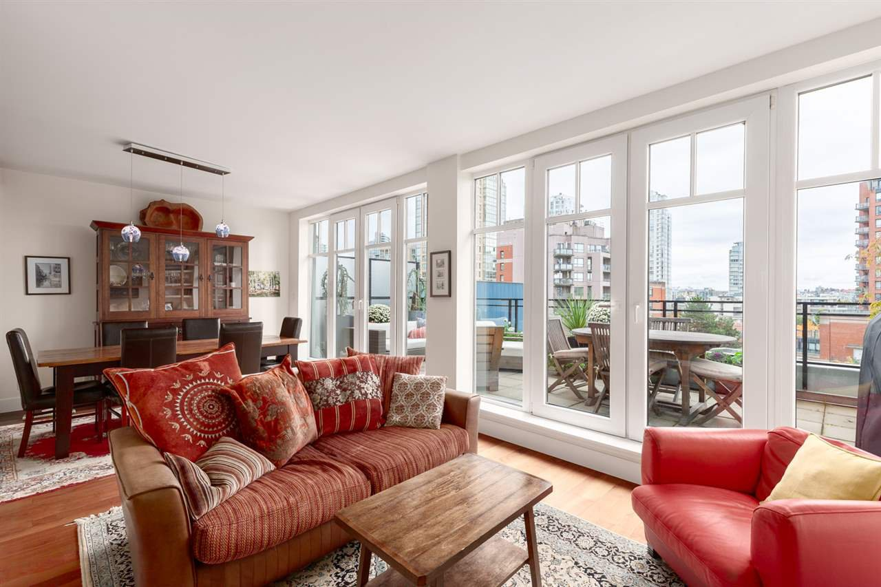 Main Photo: 502 1275 HAMILTON STREET in Vancouver: Yaletown Condo for sale (Vancouver West)  : MLS®# R2510558