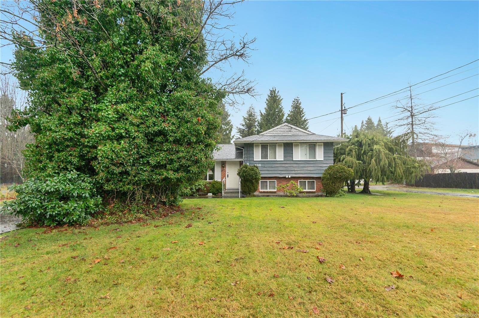 Main Photo: 308 Larwood Rd in : CR Willow Point House for sale (Campbell River)  : MLS®# 862395