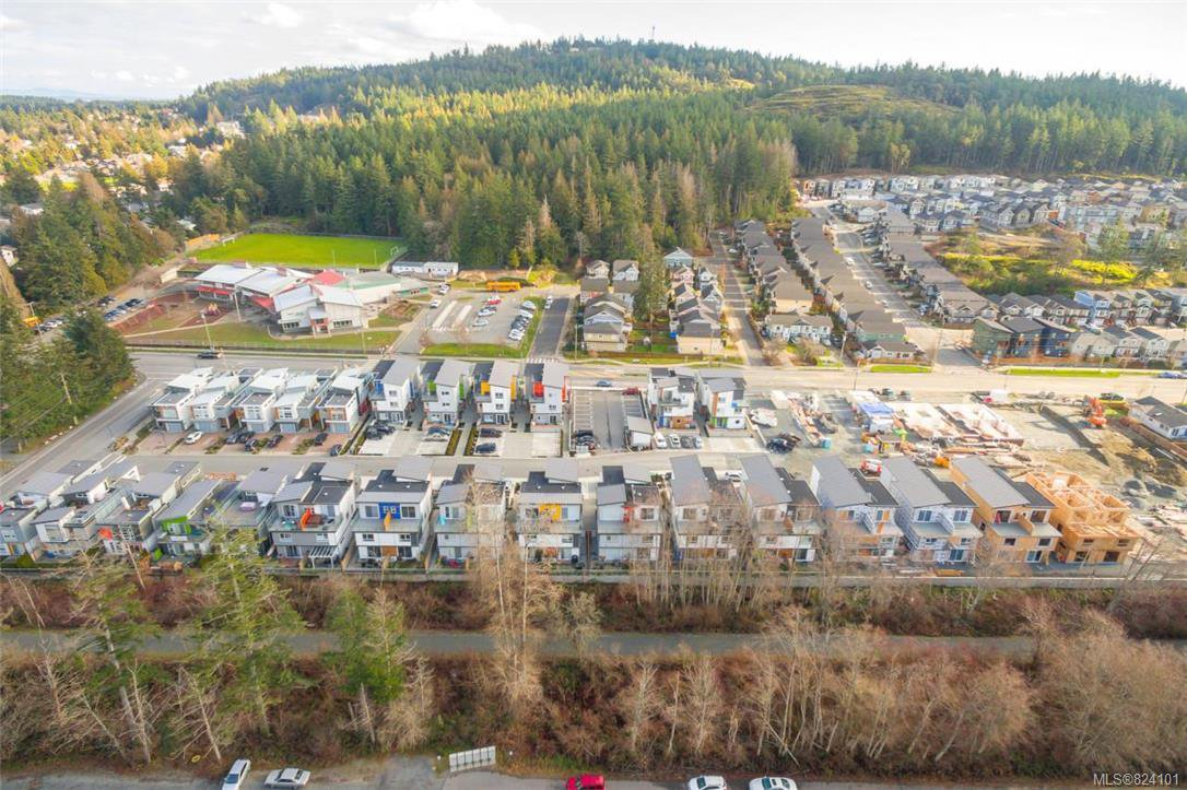 Main Photo: 104 3328 Radiant Way in : La Happy Valley Row/Townhouse for sale (Langford)  : MLS®# 824101