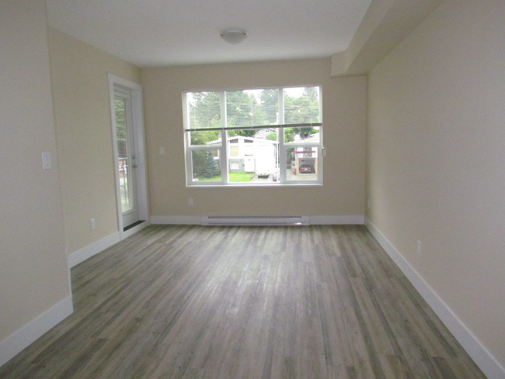 Photo 2: Photos: #303 2565 Campbell Ave. in Abbotsford: Central Abbotsford Condo for rent