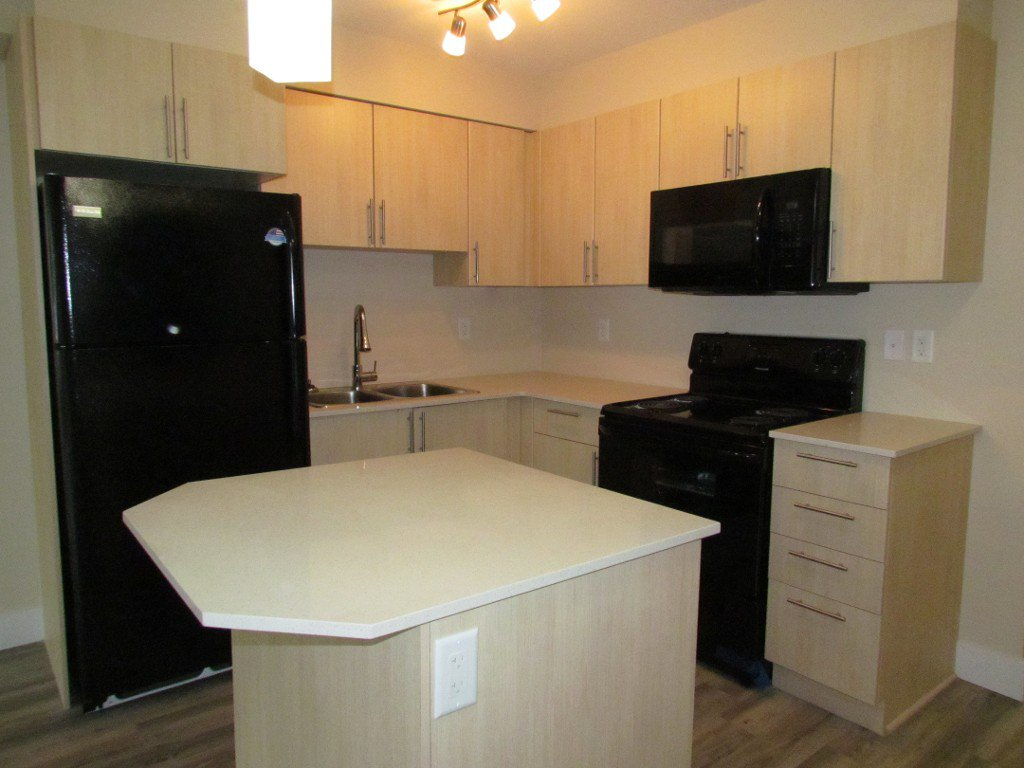 Photo 4: Photos: #303 2565 Campbell Ave. in Abbotsford: Central Abbotsford Condo for rent