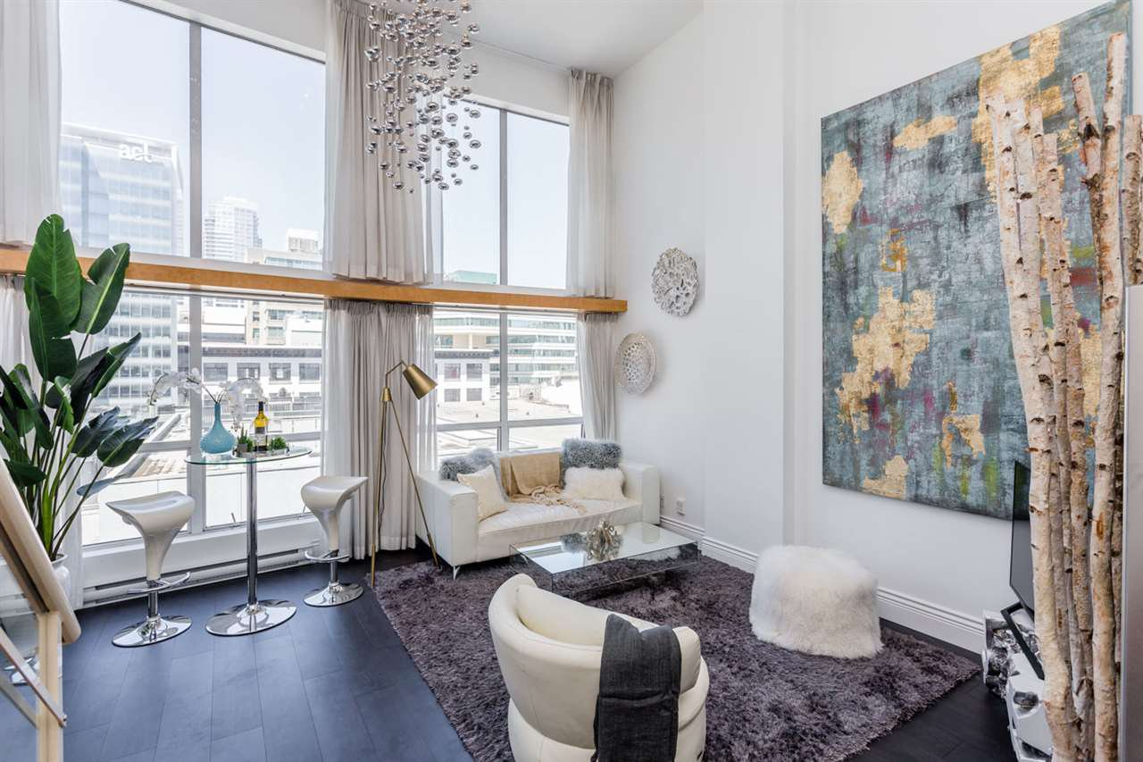 """Main Photo: 503 933 SEYMOUR Street in Vancouver: Downtown VW Condo for sale in """"THE SPOT"""" (Vancouver West)  : MLS®# R2419022"""