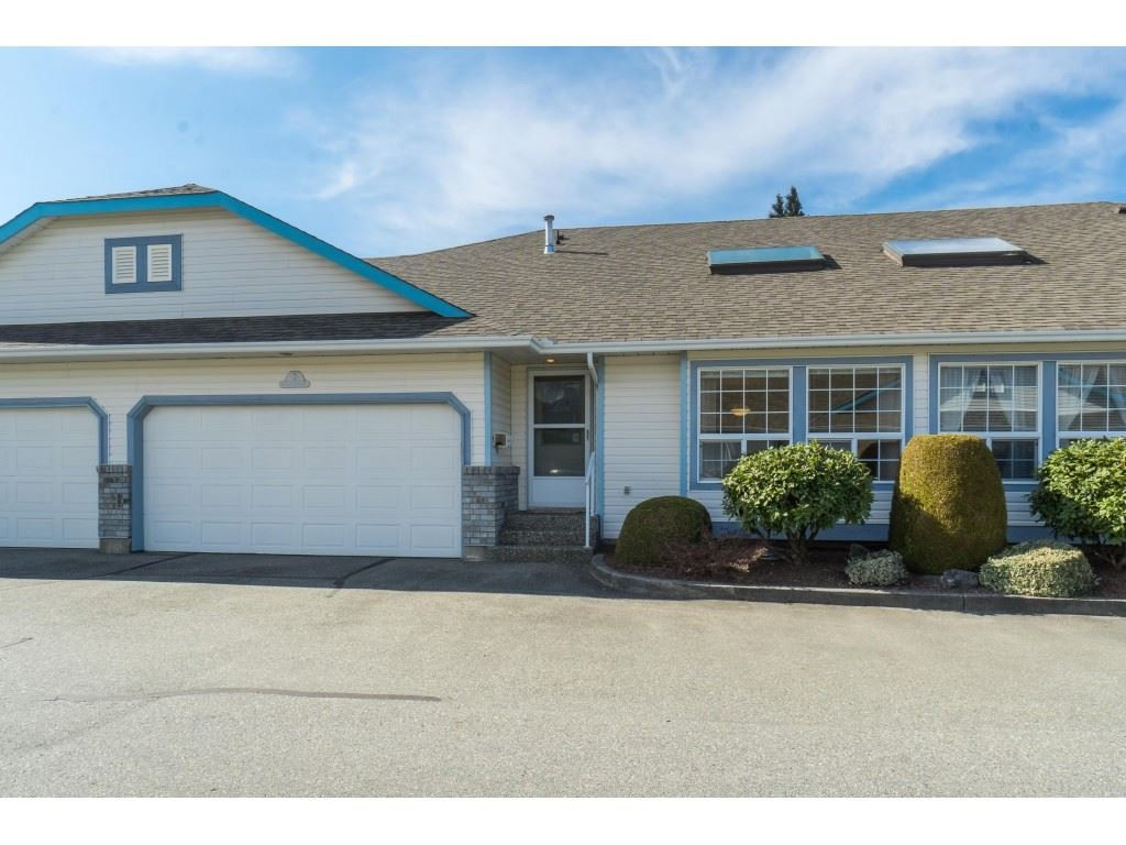 "Main Photo: 2 45175 WELLS Road in Sardis: Sardis West Vedder Rd Townhouse for sale in ""Wellsbrooke"" : MLS®# R2436709"