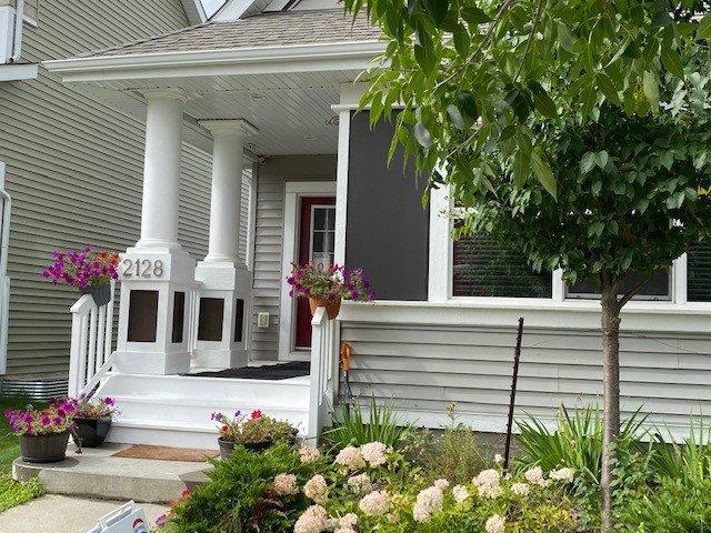 Main Photo: 2128 74 Street SW in Edmonton: Zone 53 House for sale : MLS®# E4213080