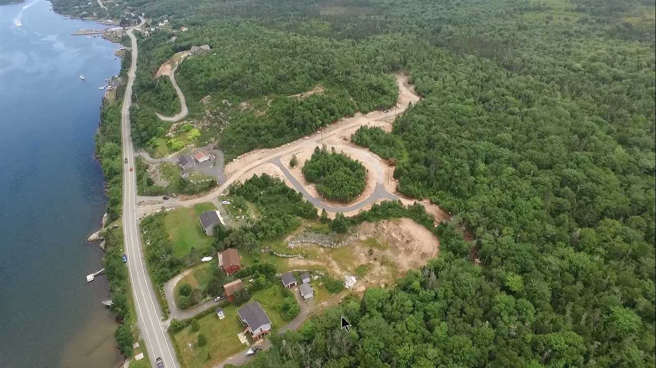 Main Photo: Lot 8 Terence Bay Road in Terence Bay: 40-Timberlea, Prospect, St. Margaret`S Bay Vacant Land for sale (Halifax-Dartmouth)  : MLS®# 202025698