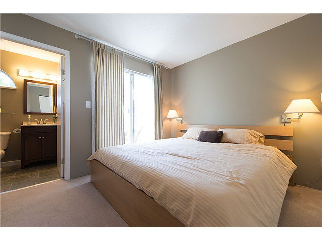 """Photo 8: Photos: 25 4319 SOPHIA Street in Vancouver: Main Townhouse for sale in """"Welton Court"""" (Vancouver East)  : MLS®# V1004878"""