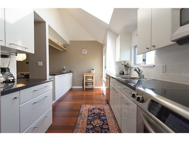 """Photo 7: Photos: 25 4319 SOPHIA Street in Vancouver: Main Townhouse for sale in """"Welton Court"""" (Vancouver East)  : MLS®# V1004878"""