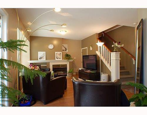 Main Photo: 32 12099 237TH Street in Maple Ridge: East Central Home for sale ()  : MLS®# V789289