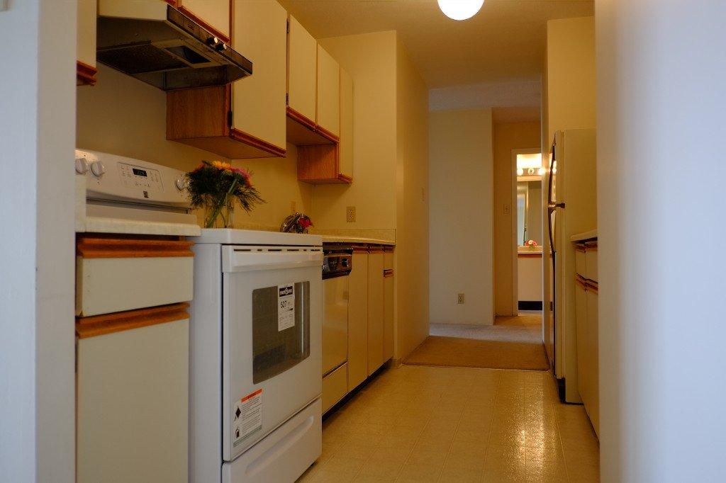 Photo 9: Photos: 2401 6540 Burlington Avenue in Burnaby: Metrotown Condo  (Burnaby South)  : MLS®# V1118433