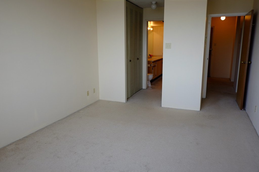 Photo 13: Photos: 2401 6540 Burlington Avenue in Burnaby: Metrotown Condo  (Burnaby South)  : MLS®# V1118433