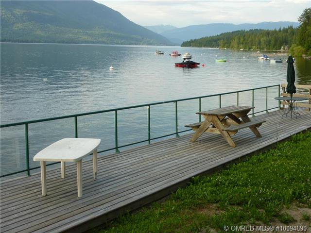 Photo 2: Photos: #4B 3935 Eagle Bay Road: Eagle Bay Townhouse for sale (Shuswap)  : MLS®# 10094690