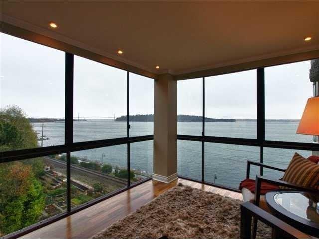 Main Photo: 303 2090 ARGYLE AV, Dundarave, West Vancouver, BC, V7V 4R4 in West Vancouver: Dundarave Residential Attached for sale : MLS®# V920545