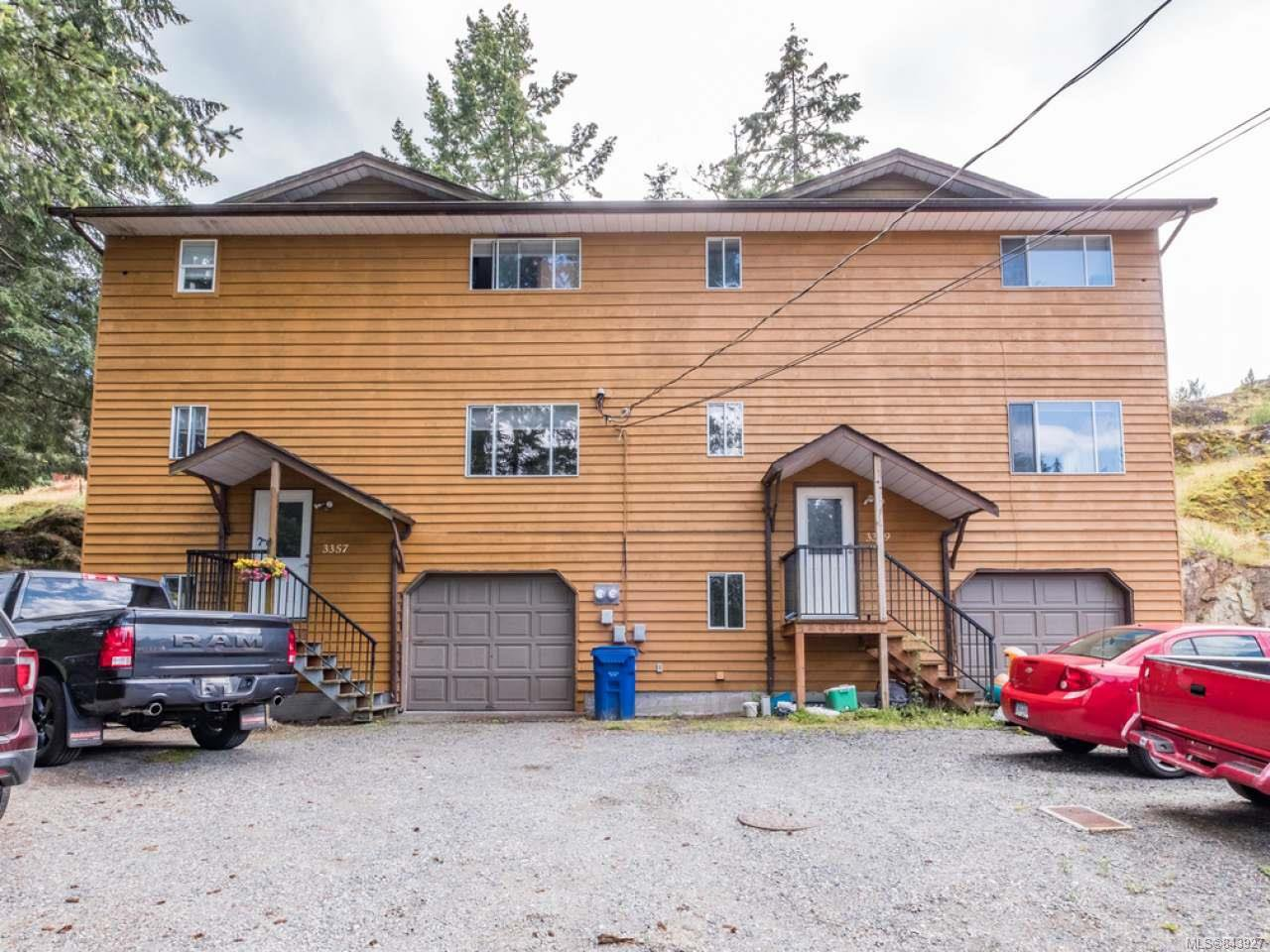 Main Photo: 3359 Barrington Rd in NANAIMO: Na Departure Bay Full Duplex for sale (Nanaimo)  : MLS®# 843927