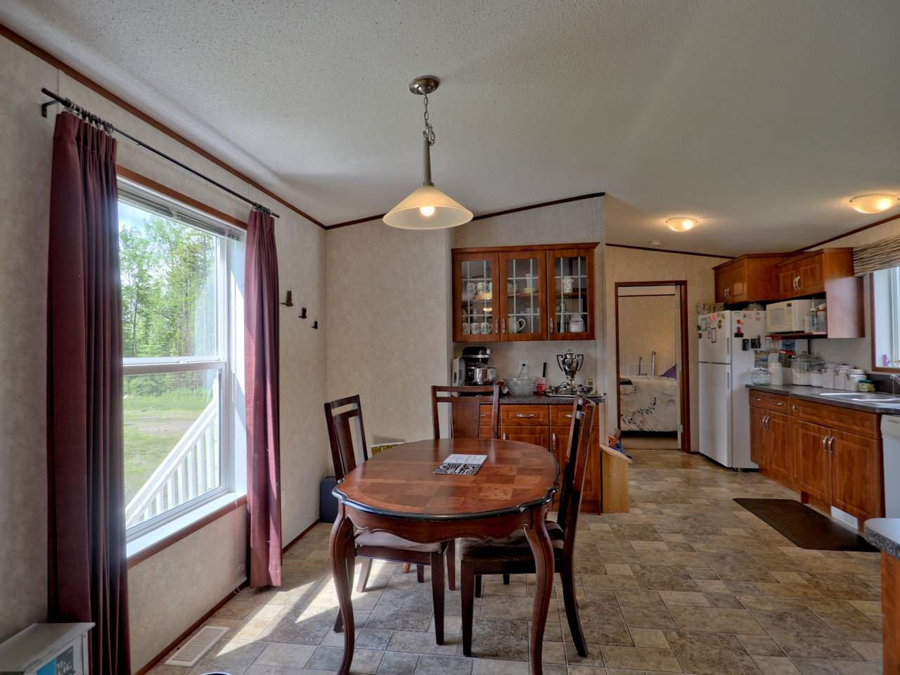 Photo 12: Photos: 7125 93 MILE LOOP Road in Lone Butte: Lone Butte/Green Lk/Watch Lk Manufactured Home for sale (100 Mile House (Zone 10))  : MLS®# R2473670