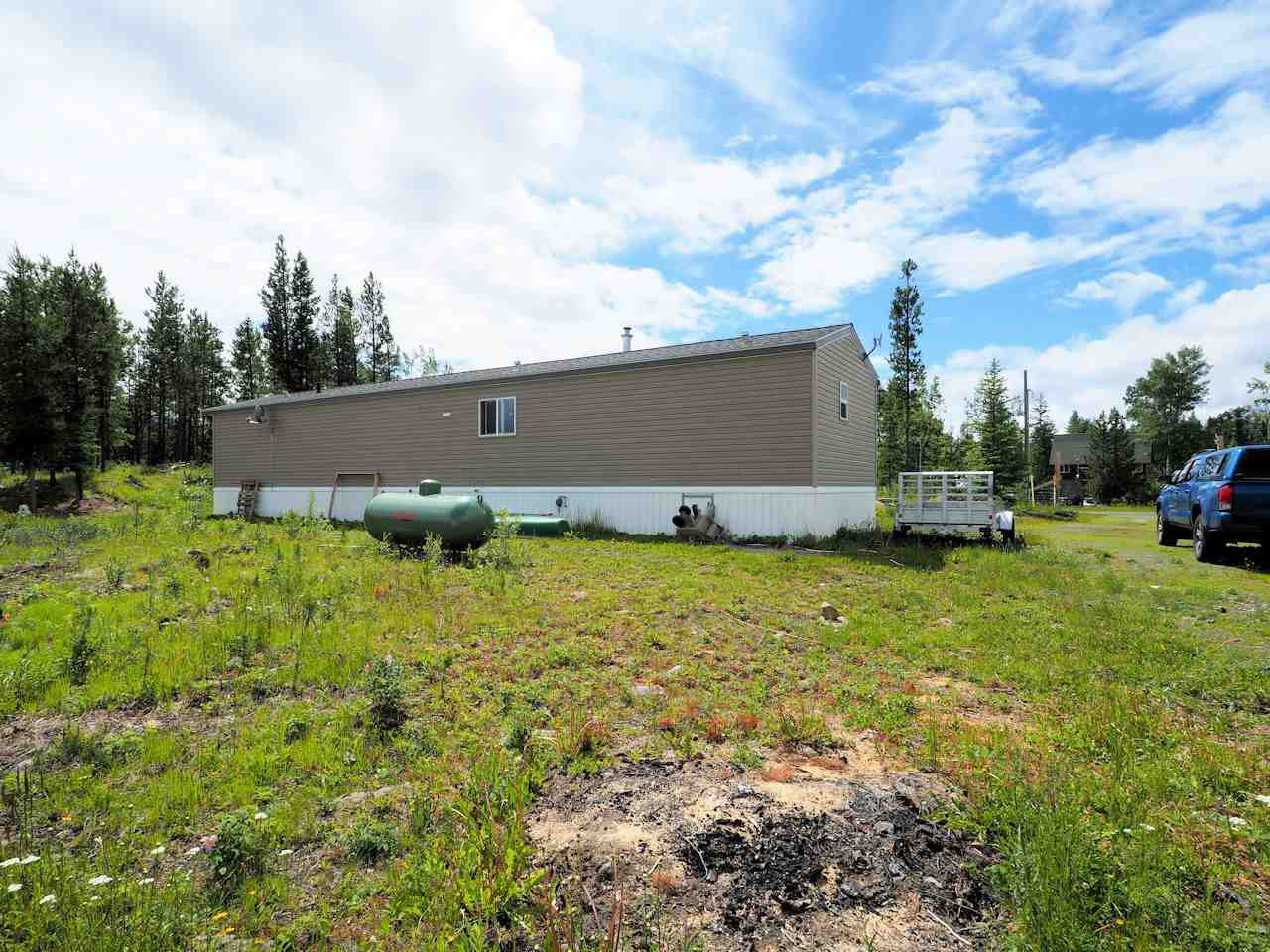 Photo 3: Photos: 7125 93 MILE LOOP Road in Lone Butte: Lone Butte/Green Lk/Watch Lk Manufactured Home for sale (100 Mile House (Zone 10))  : MLS®# R2473670
