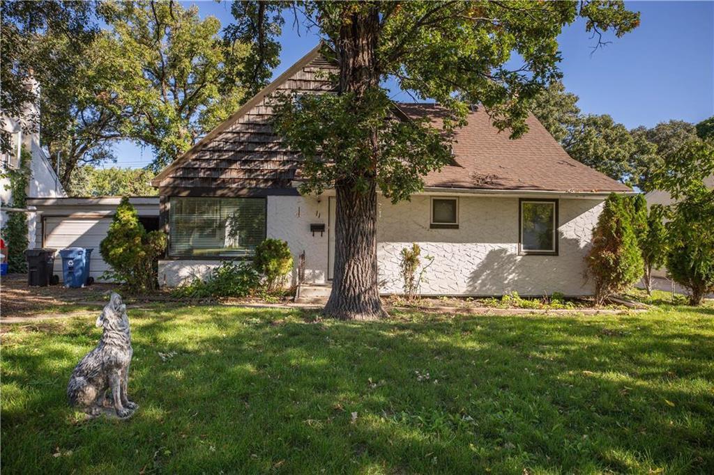 Main Photo: 11 Fidler Avenue in Winnipeg: Silver Heights Residential for sale (5F)  : MLS®# 202023120