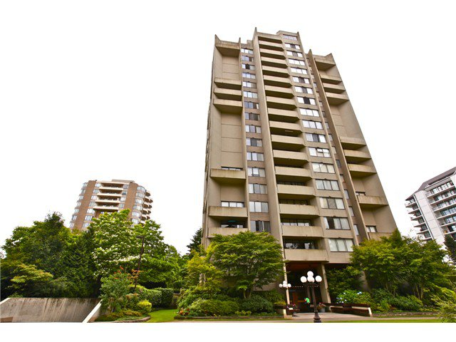Main Photo: 208-4300 MAYBERRY ST in BURNABY: Metrotown Condo for sale (Burnaby South)  : MLS®# V1017262