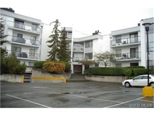 Main Photo: 314 290 Regina Ave in VICTORIA: SW Tillicum Condo Apartment for sale (Saanich West)  : MLS®# 324752