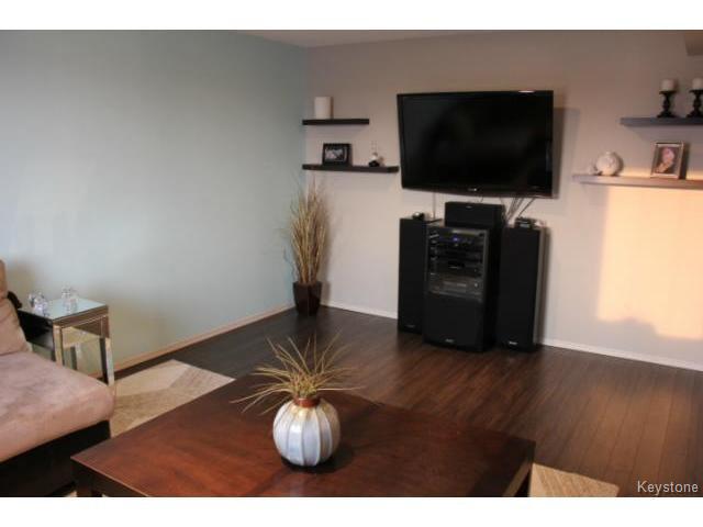 Photo 8: Photos: 63 Bill Blaikie Bay in WINNIPEG: Transcona Residential for sale (North East Winnipeg)  : MLS®# 1419228