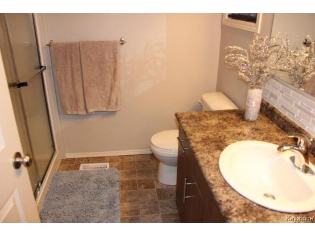 Photo 15: Photos: 63 Bill Blaikie Bay in WINNIPEG: Transcona Residential for sale (North East Winnipeg)  : MLS®# 1419228