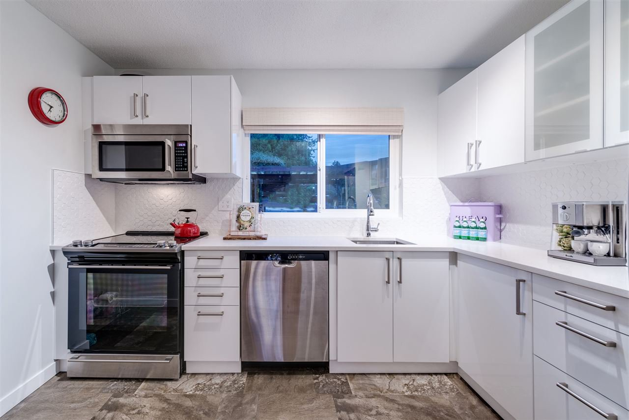 Main Photo: 869 OLD LILLOOET ROAD in North Vancouver: Lynnmour Townhouse for sale : MLS®# R2112486