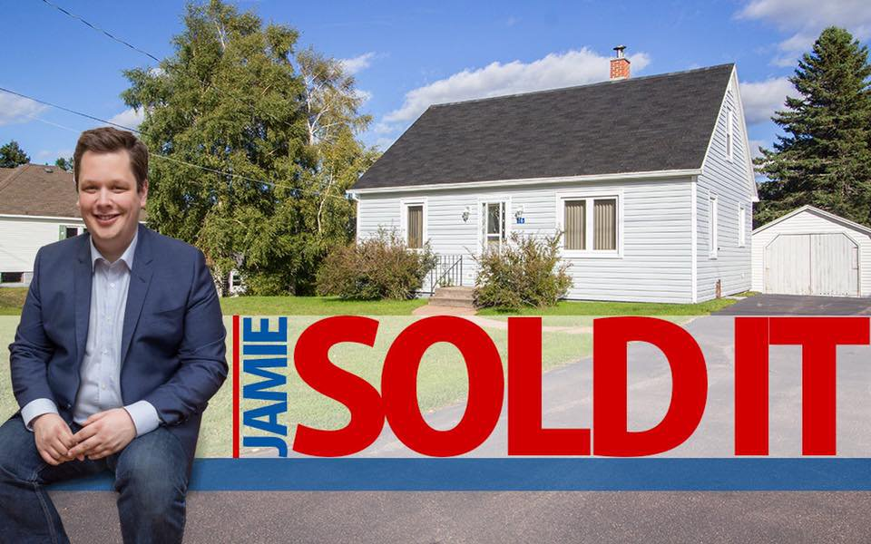 Main Photo: 16 Copp Avenue: Sackville House for sale : MLS®# M104111